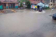 Árboles caídos e inundaciones dejan las fuertes lluvias en Tuluá