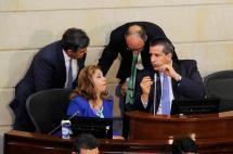 Denuncian pago de prostitutas en Reficar durante debate de control político