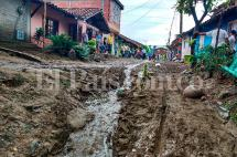 Por lo menos 70 familias damnificadas por creciente de río en Yotoco, Valle