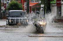 Inundaciones en algunas vías del sur de Cali por fuertes lluvias