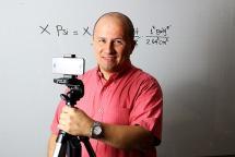 El youtuber caleño que se convirtió en el 'profe' de matemáticas más querido del mundo