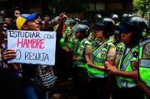 En imágenes: universitarios en Venezuela protestan por crisis presupuestaria