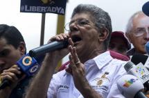 Denuncian que fallo judicial avala supuesta doble nacionalidad de Maduro
