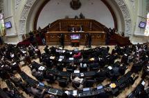Chavismo planea pedir disolución de parlamento de mayoría opositora en Venezuela