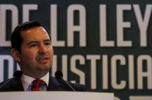 Farc deberán responder por abortos forzados y violencia sexual: Fiscalía