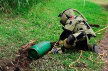 Ejército desactivó tres cilindros con explosivos dejados en vía del Cauca