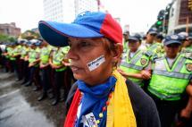 En imágenes: por las calles de Caracas opositores exigieron activación de revocatorio