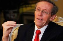 Las rechiflas a Navarro Wolff en Medellín por defender el plebiscito