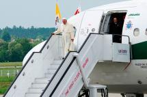 Papa Francisco alerta sobre una guerra que no es de religiones en visita a Polonia