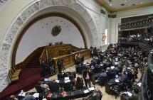 Parlamento venezolano juramentó a diputados suspendidos por la justicia