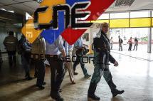 Oposición venezolana exige al poder electoral activar referendo contra Maduro
