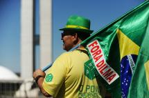 Día clave para el futuro político de Dilma Rousseff en Brasil