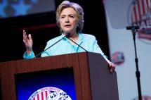 Clinton dice que revelación de e-mails y polémica con fundación no afectan su candidatura