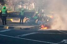 Investigan quema de motocicleta en el barrio San Cayetano, noroeste de Cali