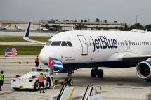 Llega a Cuba primer vuelo comercial de EE.UU. desde 1961