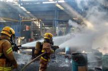 Controlan incendio en empresa metalúrgica de Acopi, Yumbo