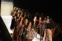 En fotos: feminidad y bordados tradicionales, tendencias en segunda noche del Cali Exposhow