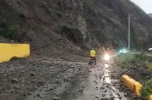 Paso restringido en la vía Dagua-Loboguerrero por derrumbe en el kilómetro 52