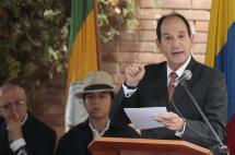 Es más importante lo dicho por la CPI que lo que diga Uribe: expresidente Corte Constitucional