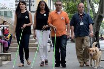 Identifique a las personas con baja visión, una discapacidad 'invisible' en Cali