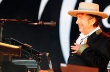 Bob Dylan dice sí al Nobel de Literatura