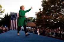 Clinton continúa campaña en estados clave impulsada por ventaja en sondeos