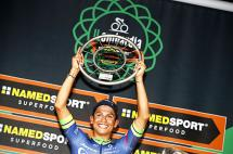 Esteban Chaves logra la primera victoria colombiana en el Giro de Lombardía