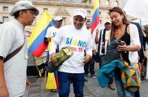 Hijo de diputado asesinado por las Farc llega a la Plaza de Bolívar tras 15 días de caminata