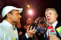 Santos saludó a caminantes por la paz que viajaron de Cali hasta Bogotá
