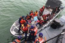 Rescatan a 37 personas que naufragaron en aguas del pacífico colombiano