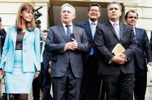 Promotores del No piden intermediación de la Iglesia para renegociar acuerdo