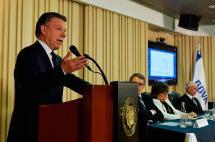 Gobierno no intenta astucias jurídicas para desconocer plebiscito: Santos