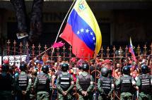 Maduro y oposición se alistan para huelga general en Venezuela