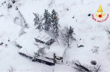 Avalancha cerca a un hotel en los alpes italianos deja varios muertos