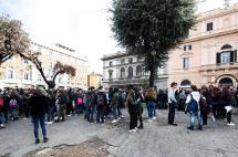 Suspenden servicio de metro en Roma y evacúan escuelas tras terremotos en Italia