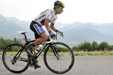 Nairo Quintana gana la etapa y asciende al segundo lugar de la clasificación general