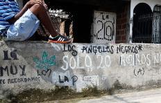 En Cali hay 55 'oficinas de cobro' que reclutan menores para sus negocios ilegales