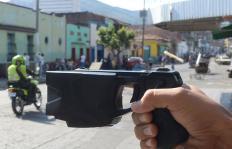 Aumenta la venta de 'Taser' de bolsillo en Cali, conozca sus verdaderos efectos