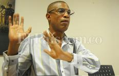 Nino Caicedo denuncia daños contra Sayco y desmiente señalamiento de acoso sexual