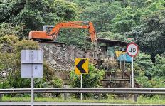 Minería ilegal se 'devora' las entrañas de la vía a Buenaventura