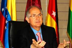 Trasladan a alcalde opositor Antonio Ledezma desde prisión a una clínica