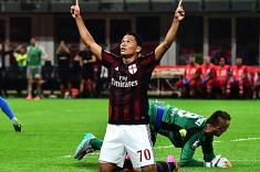 Milán gana con primer gol de Carlos Bacca en la Serie A de Italia