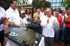 Colocan primera piedra del Malecón de Buenaventura