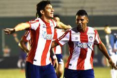 Junior gana de visita a Blooming y saca ventaja en Sudamericana