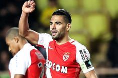 Falcao García marcó doblete en la victoria del Mónaco en Francia