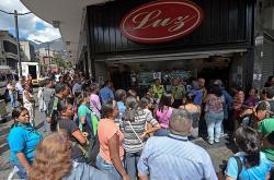 """Parlamento venezolano pide a Maduro buscar ayuda para evitar """"hambruna"""""""