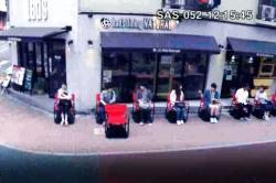 En video: así funcionan las sillas inteligentes que hacen más fácil la espera en las filas