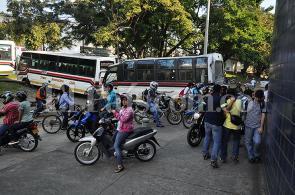 En fotos: Cali amaneció cerrada por bloqueos de buses, vea los puntos críticos