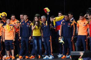 Con salsa choke Colombia celebró su llegada a casa