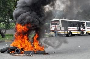 En fotos: disturbios en oriente y norte de Cali en medio de protesta de conductores de buses